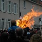 Schneemann brennt lichterloh